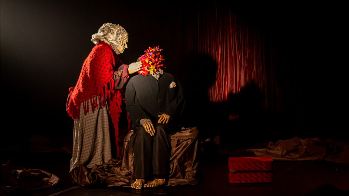 """""""Habite-me"""", espetáculo com dança, máscaras e bonecos em escala humana"""